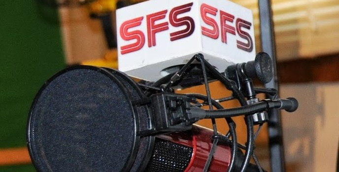 sean-fleming-show-banner-microphone-cropped