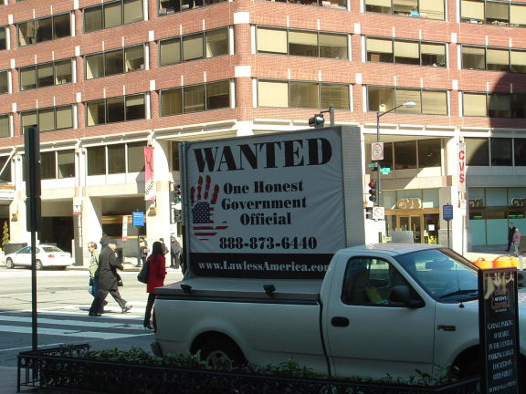 dc-washington-2011-03-01-wanted-one-honest-government-official-billboard-big 11-575w