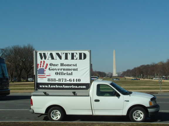 dc-washington-2011-03-01-wanted-one-honest-government-official-billboard-big 17-575w