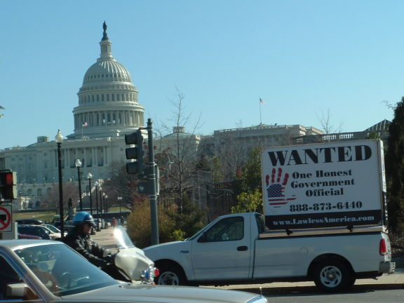 dc-washington-2011-03-01-wanted-one-honest-government-official-billboard-big 19-575w