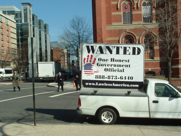 dc-washington-2011-03-01-wanted-one-honest-government-official-billboard-big 3-575w