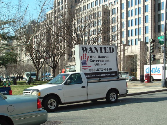 dc-washington-2011-03-01-wanted-one-honest-government-official-billboard-big 4-575w