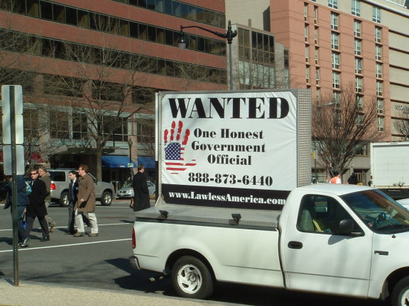 dc-washington-2011-03-01-wanted-one-honest-government-official-billboard-big 5-575w