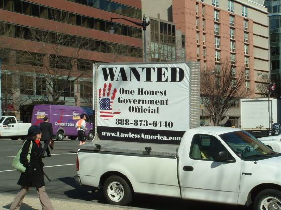 dc-washington-2011-03-01-wanted-one-honest-government-official-billboard-big 6-575w