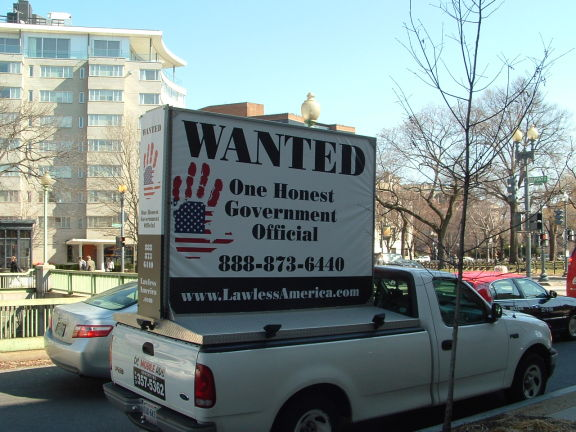 dc-washington-2011-03-01-wanted-one-honest-government-official-billboard-big 7-575w